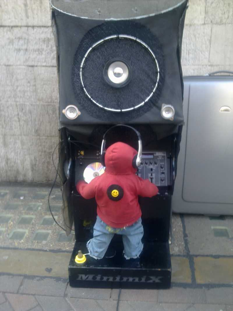 The Best Ever Busker in London Town!!